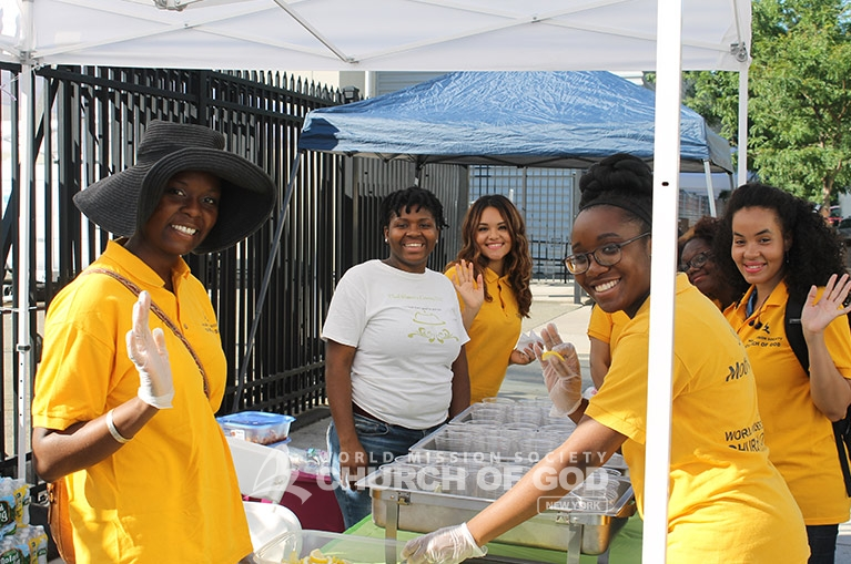 world mission society church of god, church of god in new york, church of god in queens, queens book festival, volunteering, yellow shirts
