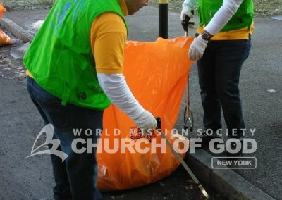 World Mission Society Church of God, Wmscog, adopt a hydrant, Rochester, ny, New York, cleanup, volunteers, volunteerism, Christian, environmental preservation, fire fighters, city, urban